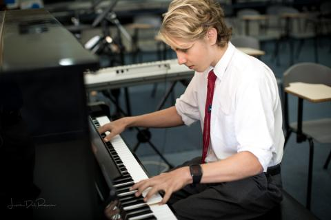 Redfield-CollegePIANO.jpg