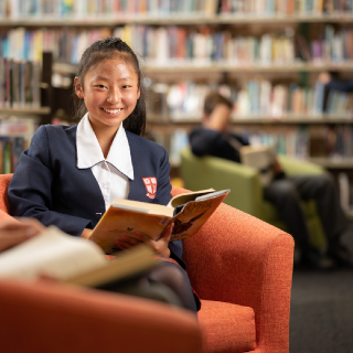 Northholm student in library